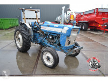 tracteur agricole Ford 3000