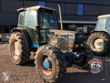 tracteur agricole Ford 6640 4wd.