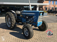 tracteur agricole Ford 5000