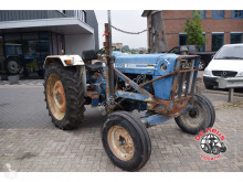 tracteur agricole Ford 6600