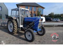 trattore agricolo Ford 5000