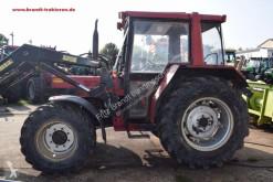 tracteur agricole Case 833 A