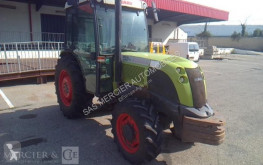 tracteur agricole Claas 4551