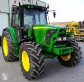 Tractor agrícola tractora antigua John Deere 6320