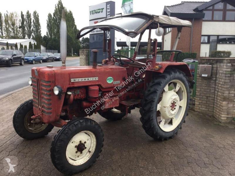 Voir les photos Tracteur agricole nc MCCORMICK - D432