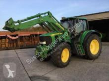 trattore agricolo John Deere 6830