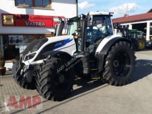 Traktor Valtra T 254 Versu ojazdený