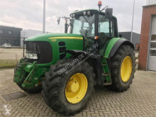 селскостопански трактор John Deere 7530