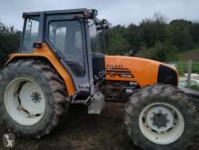 ciągnik rolniczy Renault
