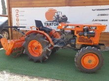 Tracteur agricole Kubota B7001 occasion