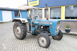 tracteur agricole Ford 2000