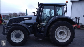zemědělský traktor Valtra Philippe Galarme, Olivier Laboute