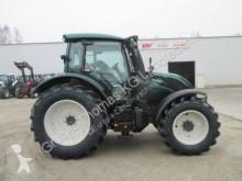 Преглед на снимките Селскостопански трактор Valtra N114e