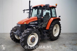 trattore agricolo New Holland TS90