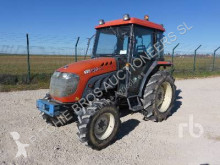 tractor agrícola Kioti DK451