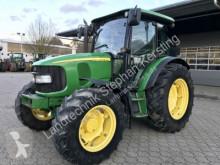 tracteur agricole John Deere 5720