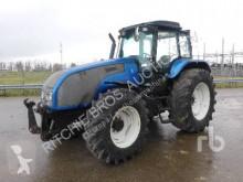 trattore agricolo Valtra T1204