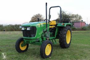 Tractor agrícola John Deere 5045 2WD usado