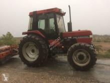 tracteur agricole Case 695
