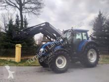 tracteur agricole Valtra T 153 Versu