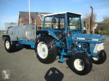 tracteur agricole Ford 4110 met 3500liter tank