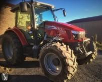 tracteur agricole Massey Ferguson 5713 SL