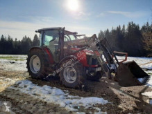 ciągnik rolniczy Massey Ferguson