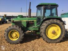 Tracteur agricole John Deere 4040 S
