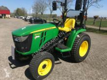 tractor agrícola John Deere 3038E