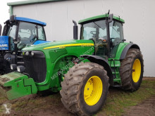 tractor agrícola John Deere 8220