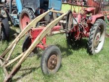 Traktor FORTSCHRITT GT 124 ojazdený