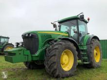 John Deere 8320 农用拖拉机
