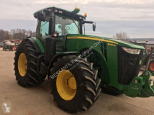 tracteur agricole John Deere 8335 R