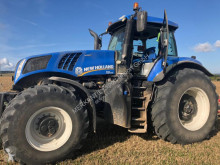 trattore agricolo New Holland T 8.435