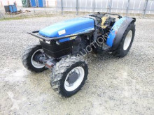 trattore agricolo New Holland TNF75DT