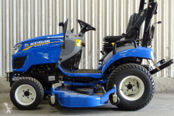 Minitraktor New Holland Boomer 25 with mower deck