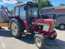tracteur agricole International 844