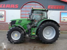 zemědělský traktor John Deere 6215R
