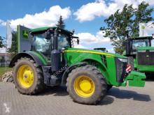 trattore agricolo John Deere 8320R PowrShift
