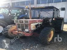 zemědělský traktor Case IH 745