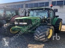 tractor agrícola John Deere 6220