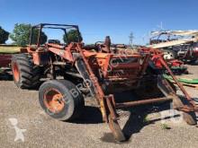 tracteur agricole Fiat 750