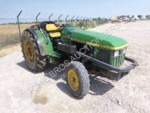 tractor agrícola John Deere 5500N