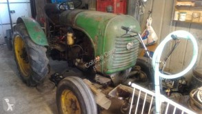 Tractor antiguo Steyr 180