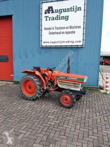 tracteur agricole Kubota L2202DT