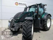 tractor agrícola Valtra