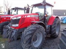 Traktor Massey Ferguson ojazdený