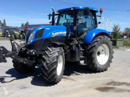 Traktor New Holland ojazdený