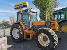 tractor agrícola Renault 133-14 TS