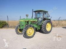 Tracteur agricole John Deere 3140DT